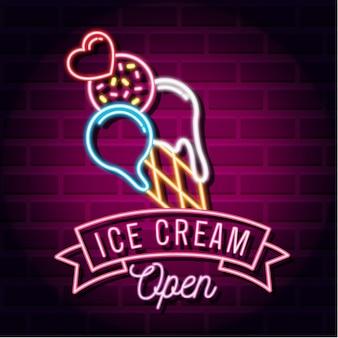 Crème glacée colorée avec des lumières au néon
