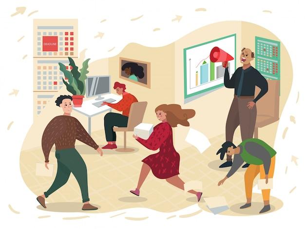 Criant en chef contre des travailleurs dans un mégaphone au bureau.