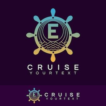 Croisière initiale lettre e création de logo