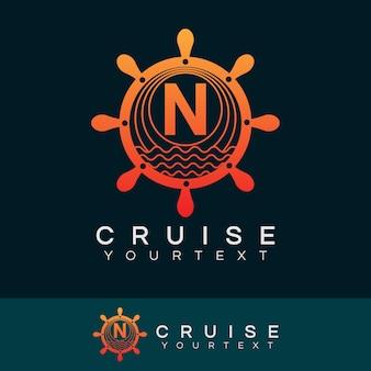 Croisière initiale lettre n logo design