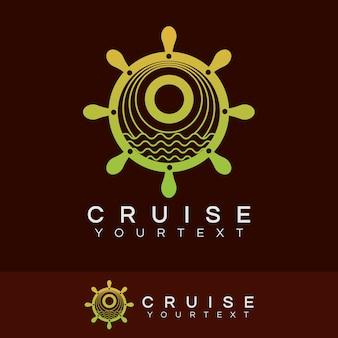 Croisière initiale lettre o logo design