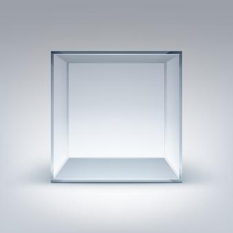 Cube de boîte en verre transparent vide sur fond blanc