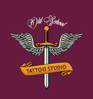 Dague avec graphique de tatouage ailes