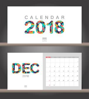 Décembre 2018 calendrier. modèle de conception moderne de calendrier de bureau avec des styles de papier découpé
