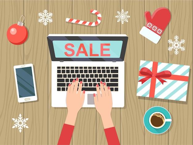 Décorations de noël avec ordinateur portable. vente de noël. ordinateur portable vue de dessus. télévision illustration vectorielle