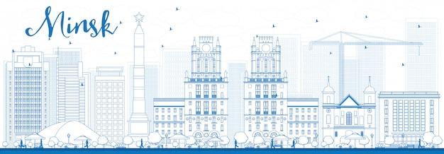 Décrire les toits de minsk avec des bâtiments bleus