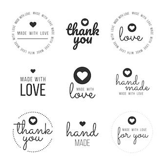 Définir des étiquettes et des bages pour les vendeurs, y compris les étiquettes ''merci'', ''fait main'', ''fait avec amour'' et ''pour vous''. illustration vectorielle.