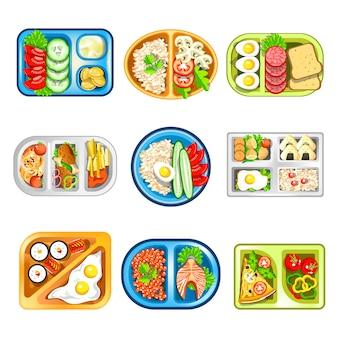 Déjeuners complexes nutritifs dans un ensemble de plateaux en plastique pratiques