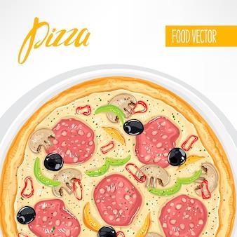Délicieuse pizza aux saucisses et champignons