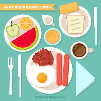 Délicieux petit déjeuner nourriture sur la table