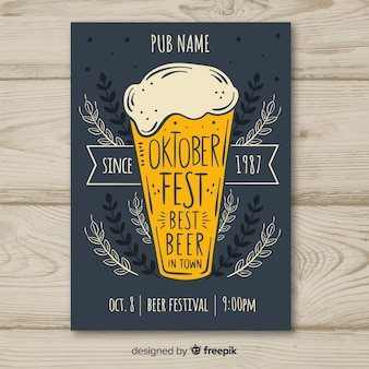 Dépliant de bière oktoberfest dessiné à la main