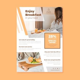 Dépliant d'informations créatives sur l'hôtel avec photo
