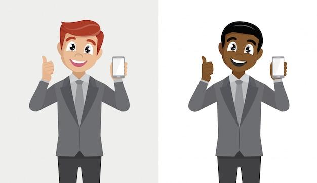 Dernier smartphone. homme tenant une cellule, homme d'affaires positif montrant une nouvelle marque.