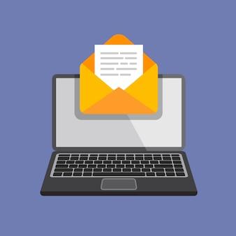 Design plat d'ordinateur portable avec enveloppe ouverte et document à l'écran.