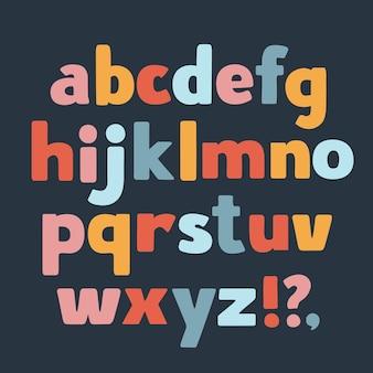 Dessin animé drôle de lettres minuscules de différentes couleurs