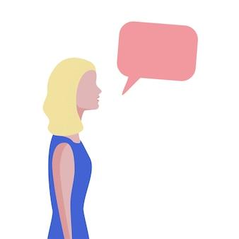 Dessin animé femme parlant sur le concept de médias sociaux. illustration plate de bulle de discours de chat