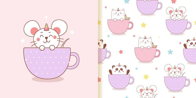 Dessin animé mignon chat licorne rat et panda dans un modèle sans couture de tasse.