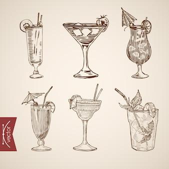 Dessin à main levée. boissons dans des verres.