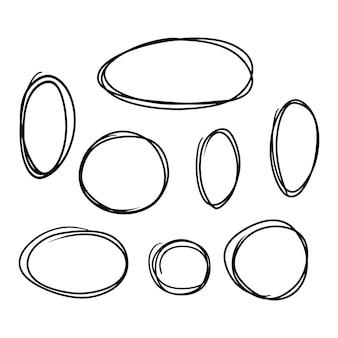 Dessin à la main de style doodle ensemble de différents modèles de cercles et d'ovales vecteur isolé