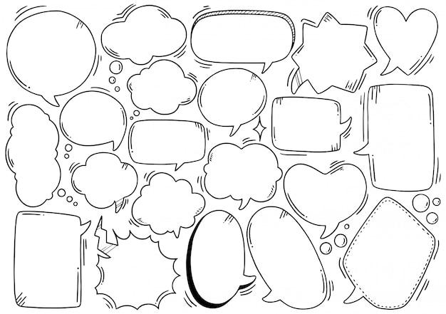 Dessinés à la main ensemble de bulle de dialogue mignon dans un style doodle