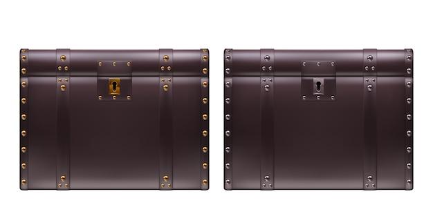 Deux coffres en cuir