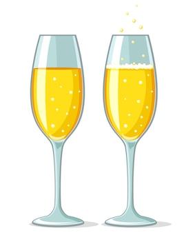 Deux verres de champagne avec mousse et sans sur fond blanc.