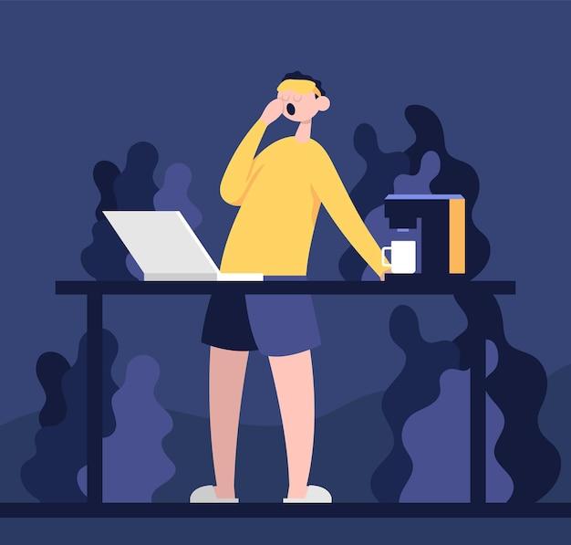 Développeur indépendant regardant l'ordinateur portable et buvant du café pendant la réunion de travail virtuelle de nuit