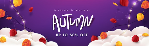 Disposition de fond de bannière de vente d'automne décorer variété de feuilles d'automne tombant dans le ciel avec des nuages