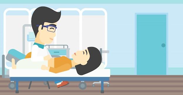 Docteur touchant l'abdomen d'une patiente.