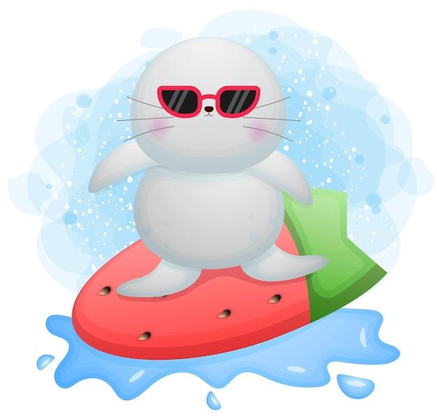 Doodle mignon morse jouant le personnage de dessin animé de surf