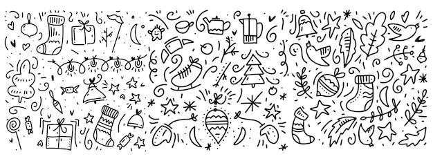Doodle motif d'éléments nouvel an et hiver. isolé sur fond blanc.