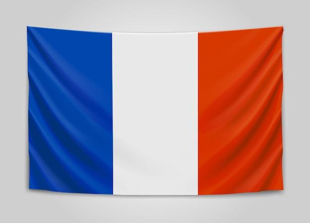 Drapeau suspendu de la france. république française.