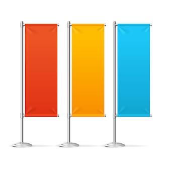 Drapeaux de bannière vierge ensemble coloré pour les concepteurs.