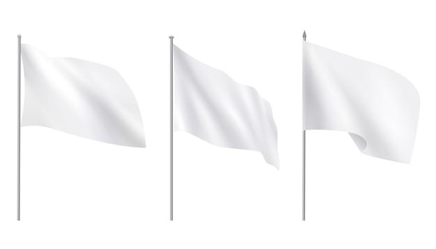 Drapeaux réalistes en tissu publicitaire blanc vierge