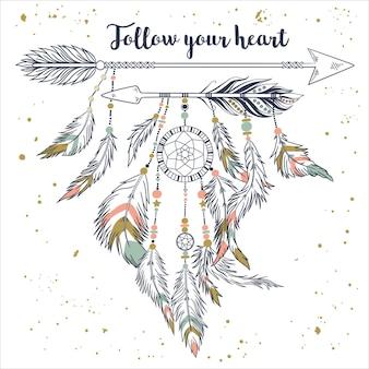 Dreamcatcher et flèches ethniques avec des plumes