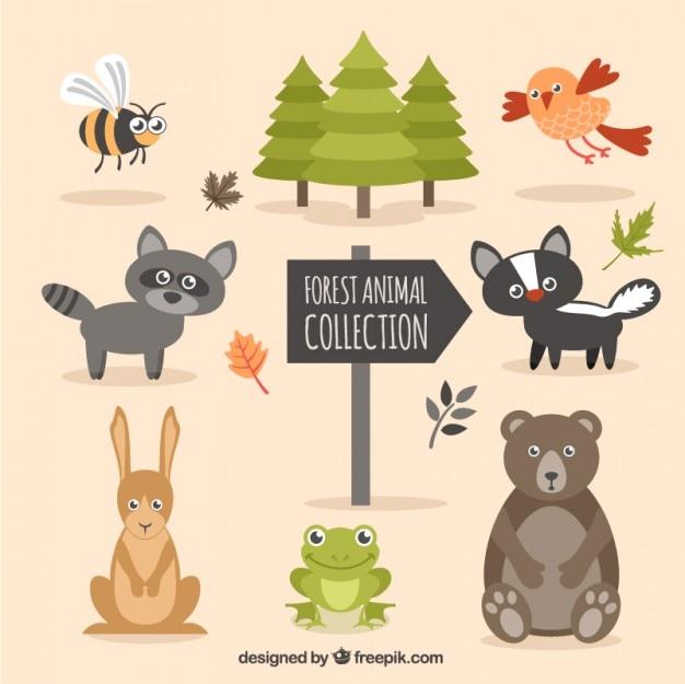 Drôle animal forêt dessiné à la main avec des arbres