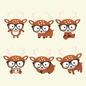 Drôle petit cerf situé dans des poses différentes. cerf de collection en style cartoon.