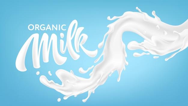 Éclaboussures réalistes de lait sur fond bleu. lettrage d'écriture de lait biologique