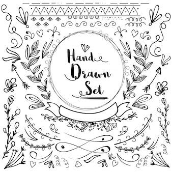 Éléments de conception de doodle floral dessiné à la main.