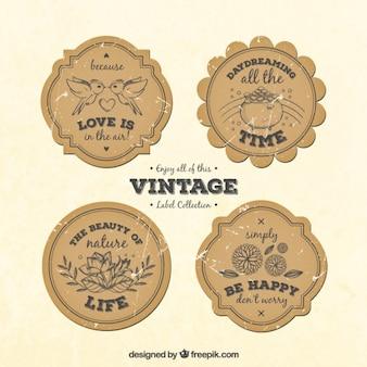 Éléments croquis étiquettes vintage avec des phrases