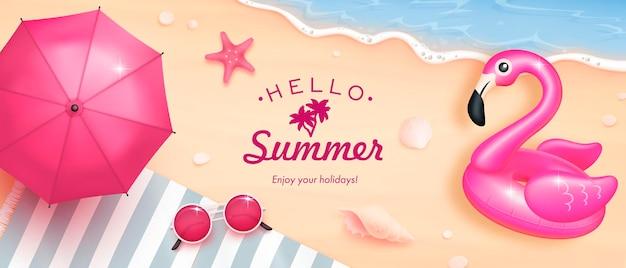Éléments d'été bonjour réalistes sur une plage