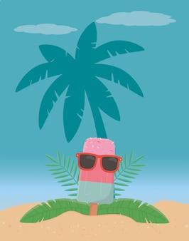 Éléments d'été sur la plage et les palmiers