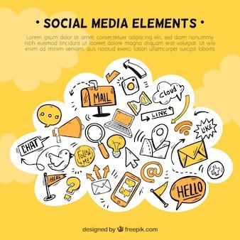 Éléments de médias sociaux dans une forme de nuage avec des icônes