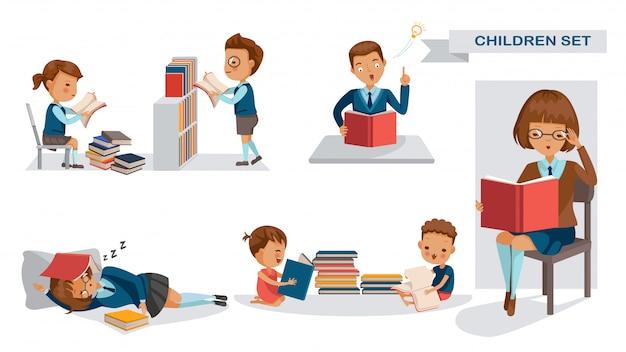 Les élèves lisent l'ensemble. activité des élèves et le concept de la rentrée des classes.