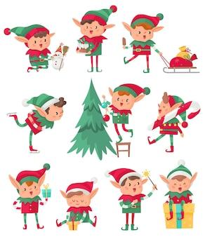 Elfe de noël. aides fantastiques mignons du père noël, elfes adorables avec des cadeaux et des décorations de vacances, nain heureux avec la veille de noël et collection de personnages isolés de vecteur de dessin animé de bonhomme de neige