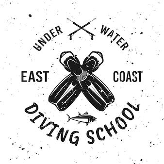Emblème, étiquette, badge ou logo monochrome d'école de plongée sur fond avec des textures grunge amovibles