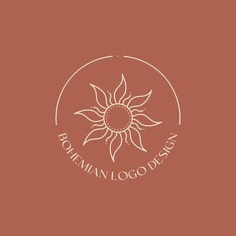 Emblème linéaire de vecteur. création de logo bohème avec soleil et sunburst. icône ou symbole boho moderne dans un style minimaliste branché. modèle de conception de marque.