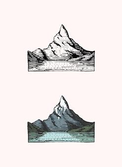 Emblème de pics de montagne gravé à la main vintage ancienne étiquette ou insignes