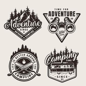Emblèmes d'aventure de camping monochrome vintage