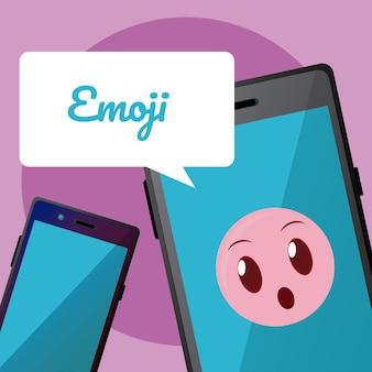 Emoji mignon sur l'écran du smartphone avec bulle de dialogue